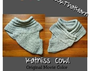 50% off Free Shipping!! Crochet Katniss Cowl Hunger Games cowl crochet hunger games movie cosplay Katniss Everdeen movie