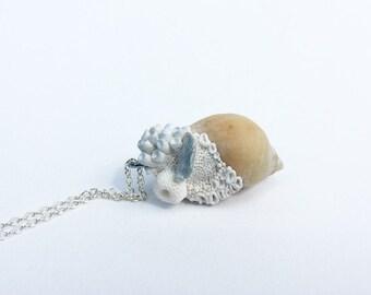 Coral reef necklce pendant