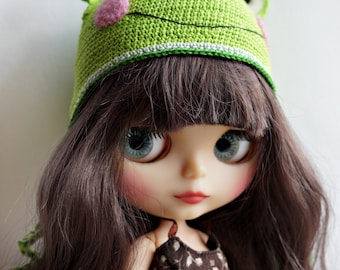Crochet frog hat for Blythe