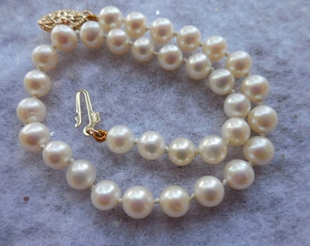 Beautiful Vintage Pearl Bracelet w 14k Gold Clasp 7.5 inches
