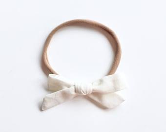 "Baby headband with bow - hair bow ""Lia"" Offwhite"
