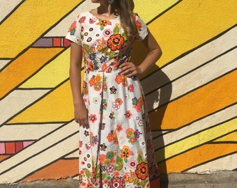 1960's Saybury White and Psychedelic Floral Print Maxi Dress Size Medium