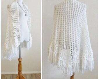 Vintage 60's 70's White Crochet Knit Shawl Wrap Pinwheel Fringe Boho Hippie One Size