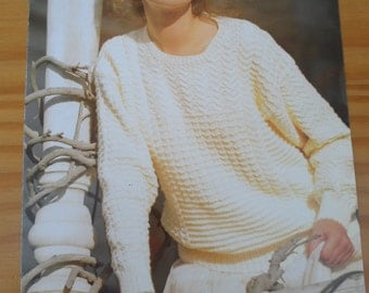 """Original vintage knitting pattern by Patons for a ladies round neck sweater in 6 sizes from 30-40"""""""