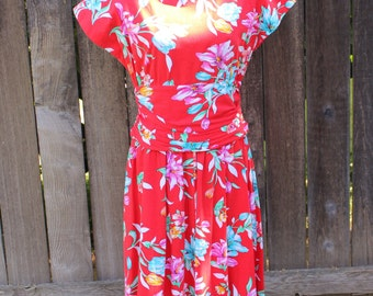 50% Off, Womens Vintage Hawaiian Dress, Pin Up Girl, Rockabilly Style, Retro 1940s Styles, Red Floral Print, Size Medium
