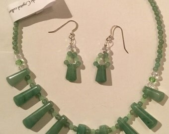 Aventurine and Swarovski Crystal Collarette and Matching Earrings