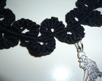 Macrame neckace, wavy flower pattern, 100% cotton