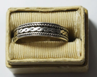 Vintage Silver Ring, size 9