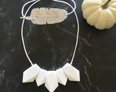 Teething Necklace | Nursing Necklace for Mom | New Mom Gift | Silicone Teething Necklace | Teething Jewelry | BPA Free |The Gee- White