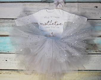 Who Needs Mistletoe Christmas Baby Girls Outfit Set Silver Metallic Print White Vest Bodysuit Onesie