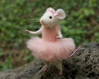 Mouse ballerina, Needle felt mouse, Felt ballerina mouse, White mouse, Needle felt animal, Needle felt miniature, Birthday gift, Home decor