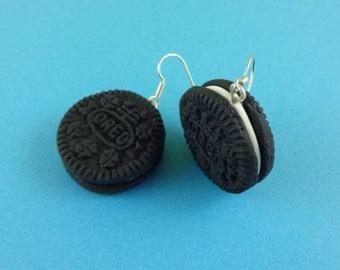 Mini Oreo Earrings - chocolate cookie, sandwich cookie, sandwich biscuit, polymer clay, miniature food, realistic cookie, cookie earrings