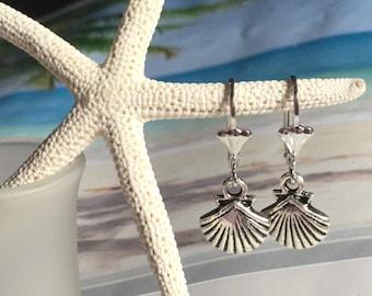 Sea Shell Earrings  Silver shell Earring  Beach Wedding Jewelry Bridesmaid Earrings  Dangle light weight Wedding Earrings  Woman's gifts