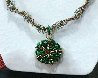 Chainmail Star and Spiral Kumihimo Spiral Necklace in Green and Gold