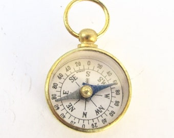 Vintage Working compass brass glass top *BULK DISCOUNT* watch chain fob charm pendant jewelry supply Gold Compass Mini compass gold m337