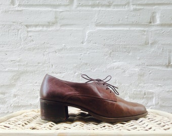 1980's Classic Oxford Heels / Size 7 - 7.5 / Secretary /  Brown Leather Uppers / Chunky Heel / Prep School / 80s / Easy Spirit / Rustic /