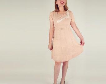 40s Peach Lacy Leno Weave Dress with Neckline Asymmetry - M Petite