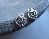 Small spiral heart Pewter charm , Antiqued Silver plated tiny accent drop pendant, metal casting Palmette , Made in usa 4 pcs  / 6aT-2074-12