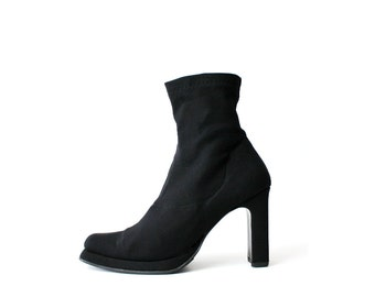 1990s Charles David Minimal Black Chelsea Ankle Boots