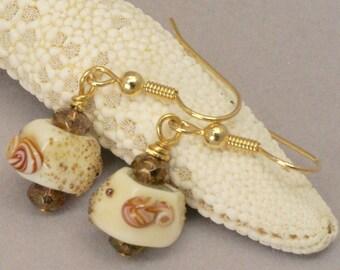 Cream seashell earrings,  white sea shell lamp work, Organic Natural Shell Jewelry, Beach Lover Earrings, Nautical Jewelry, Shell Jewelry