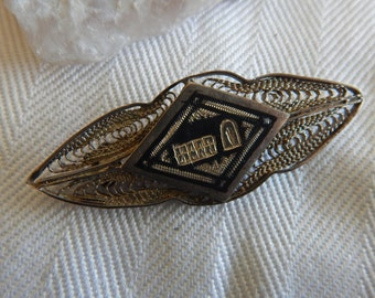 Unmarked Silver Wire Pin - Vintage 1940's - Woven Wire - Triangle Inset