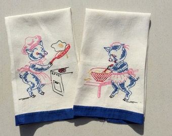 Vintage Embroidered Towels Pair of Pigs in the Kitchen