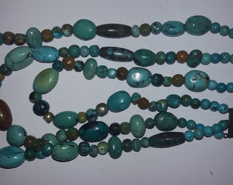 VINTAGE Turquoise Beaded Three Strand Necklace Silver