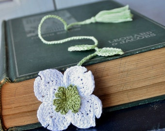Handmade Crochet Flower Bookmark Dogwood Flower Fiber Bookmark Cotton Thread