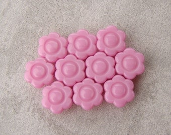 SALE, Teensy Plastic Buttons, 10mm 3/8 inch - Pink Daisy Flower Buttons - 10 Small Candy Pink Bubble Daisy Sewing Buttons PL191