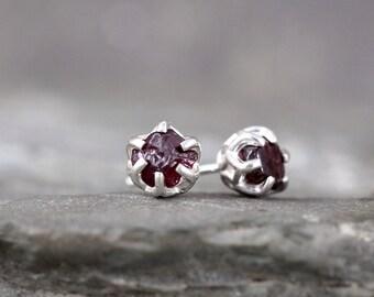 Raw Garnet Earrings - Sterling Silver Filigree Inspired - Stud Earring - January  Birthstone - Uncut Raw Red Gemstone - Made in Canada