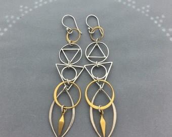 Geometric Coulmn Spike Earrings