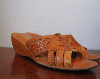 Vintage 70s Deadstock Brown Leather Woven Mules with Wood Wedge Heel Size 8