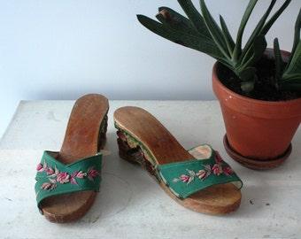 Vintage 1940's Tiki Hand Carved and Painted Wood Wedge Heels 6.5