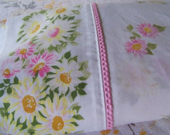 Vintage Pequot Pink Daisy Twin Flat Sheet with Picot Edging Cotton Muslin Blend