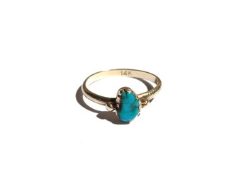 V I N T A G E // turquoise paisley nugget / 14k yellow gold ring with turquoise / size 4.75