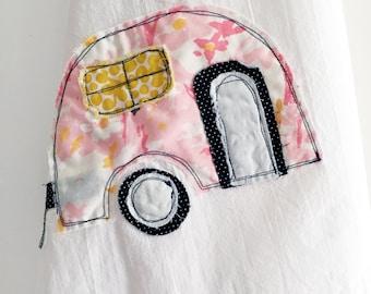 Tea Towel // Camper Applique // 100% Cotton Flour Sack // Vintage Pink Floral Fabric // Housewares // Retro Style // Camping // Vintage Vibe
