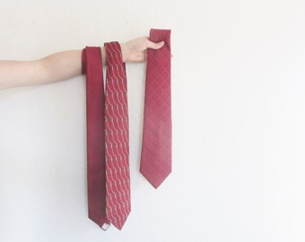 the dapper gentlemans necktie trio . vintage red tie set of three .sale s a l e