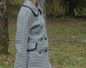 Vintage Houndstooth  Coat Navy Blue and White Light Wool Adorable Size Medium