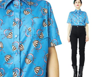 1970s Equestrian Novelty Print Shirt Pointy Collar Shirt Vintage 70s Womens Blouse Button Down Turquoise Blue Short Sleeve Shirt (M/L)