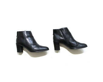 Vintage Ankle Boots 7.5 / Black Leather Boots / Zip Up Booties / Heeled Ankle Boots
