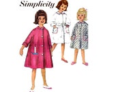 Half Price CLEARANCE 60s Toddler Girls Robe Dressing Gown Sewing Pattern Simplicity 4536 Size 2 with Embroidery transfer UNUSED Factory Fold