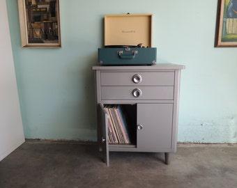 INDUSTRIAL Gray Metal Storage Cabinet (Los Angeles)