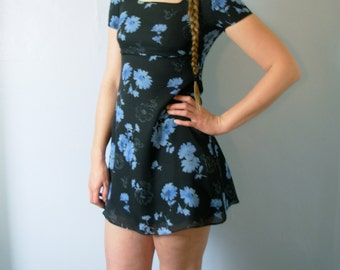 Vintage 90's navy blue floral babydoll mini dress, grunge dress, empire waist, size 6 small