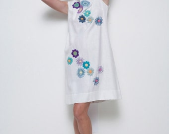 deadstock vintage shift dress 1960s white floral yarn embroidery 3D sleeveless M L (ELY1)