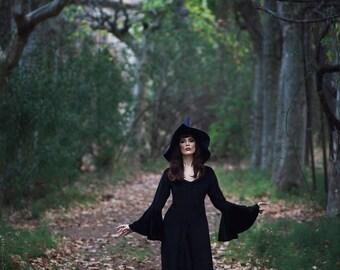 Dark sorcerer witch black velvet dress velveteen cotton samhain wicca halloween strega costume