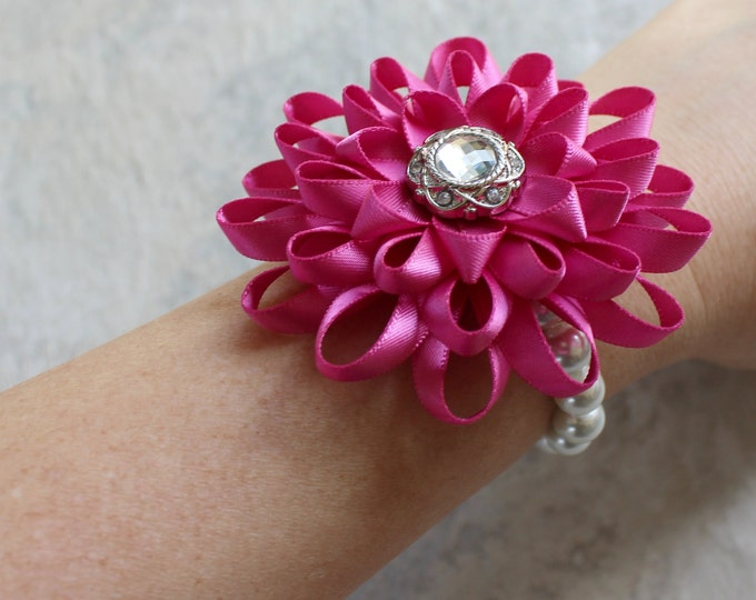 Wrist Corsage Bracelet, Wrist Flower, Bridesmaid Flowers, Mother of the Bride Flower, Wedding Corsages, Flower Bracelet, Homecoming, Prom