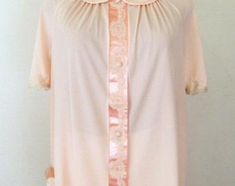Vintage 60's Pajama Set Pastel Peach Nylon Ecru Lace Satin Trim  Size 36 / M Like New