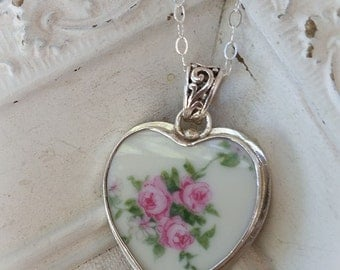 Three Pink Roses Broken China Jewelry Heart Pendant Necklace