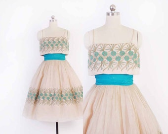Vintage 50s PROM DRESS / 1950s Embroidered Floral Shelf Bust Full Skirt Party Dress XS
