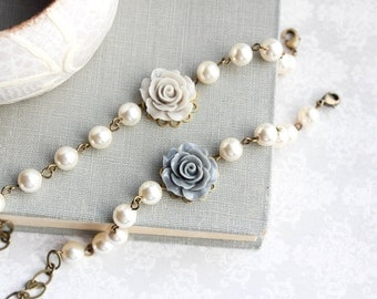 Greige Rose Bracelet Ivory Cream Pearl Bracelet Bridal Accessories Country Chic Wedding Vintage Style Bridesmaids Gift Light Grey Adjustable